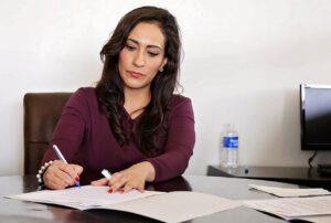 הוצאה לפועל עורך דין